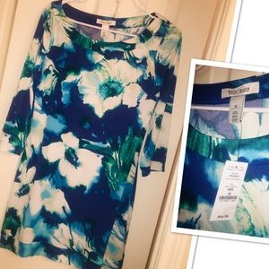 White House Black Market Tops - NEW Blue Floral Print Tunic
